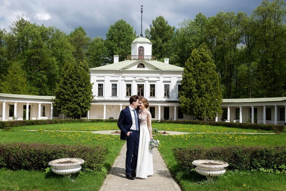 Свадебная фотосессия в Усадьбе Середниково
