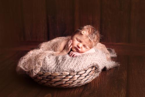 фото новорожденных в реквизите