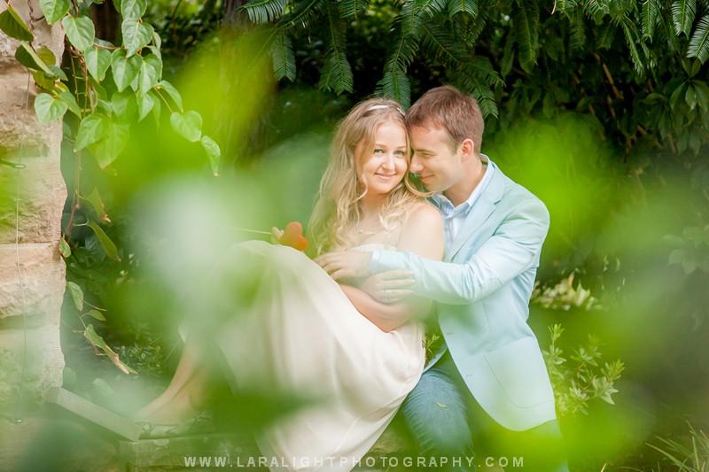 COUPLES | VADIM AND VERA | OPERA HOUSE, ROYAL BOTANICAL GARDEN AND THE ROCKS PHOTOGRAPHY