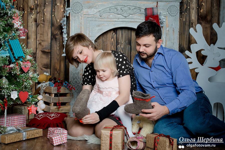 Новогодняя фотосъемка Алисы и ее родителей