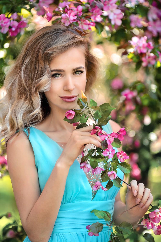 Фотосессии в цветущих садах