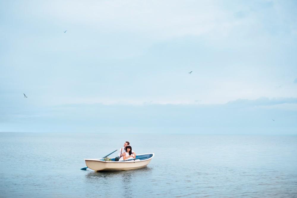 Артур и Ксения (на берегу озера)