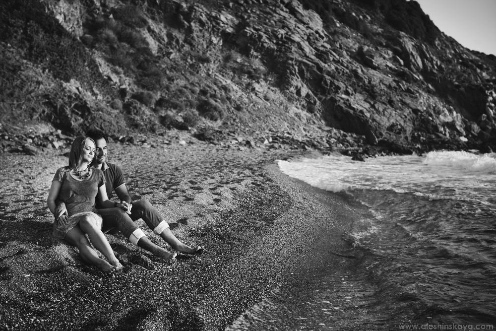 Romantic walk near sea