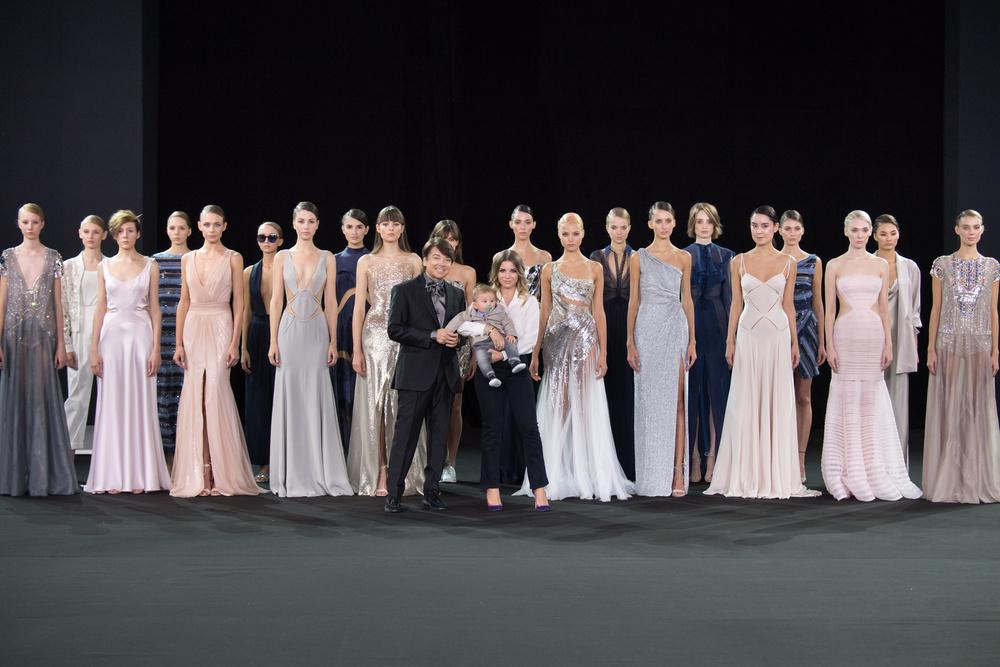 Valentin Yudashkin открыл Московскую Неделю моды, представив новую коллекцию весна-лето 2017!
