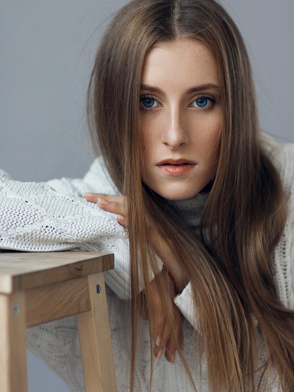 Anna Molohot'ko for RU.MODELmanagement