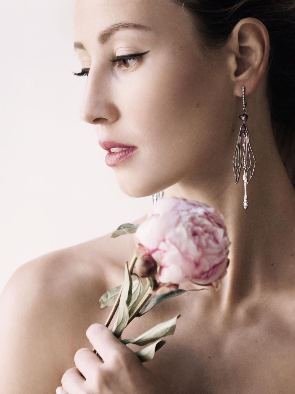 The Roskosh jewelry ad compaign