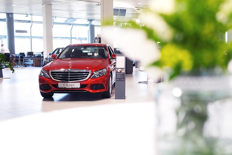Презентация новых автомобилей -